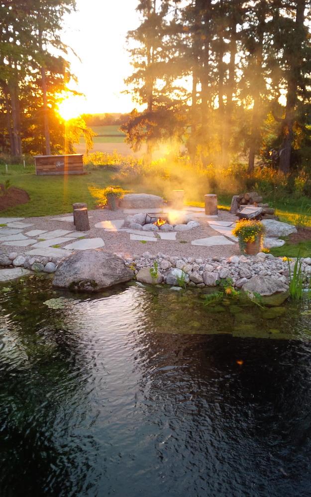 natural swimming pools quiet nature. Black Bedroom Furniture Sets. Home Design Ideas