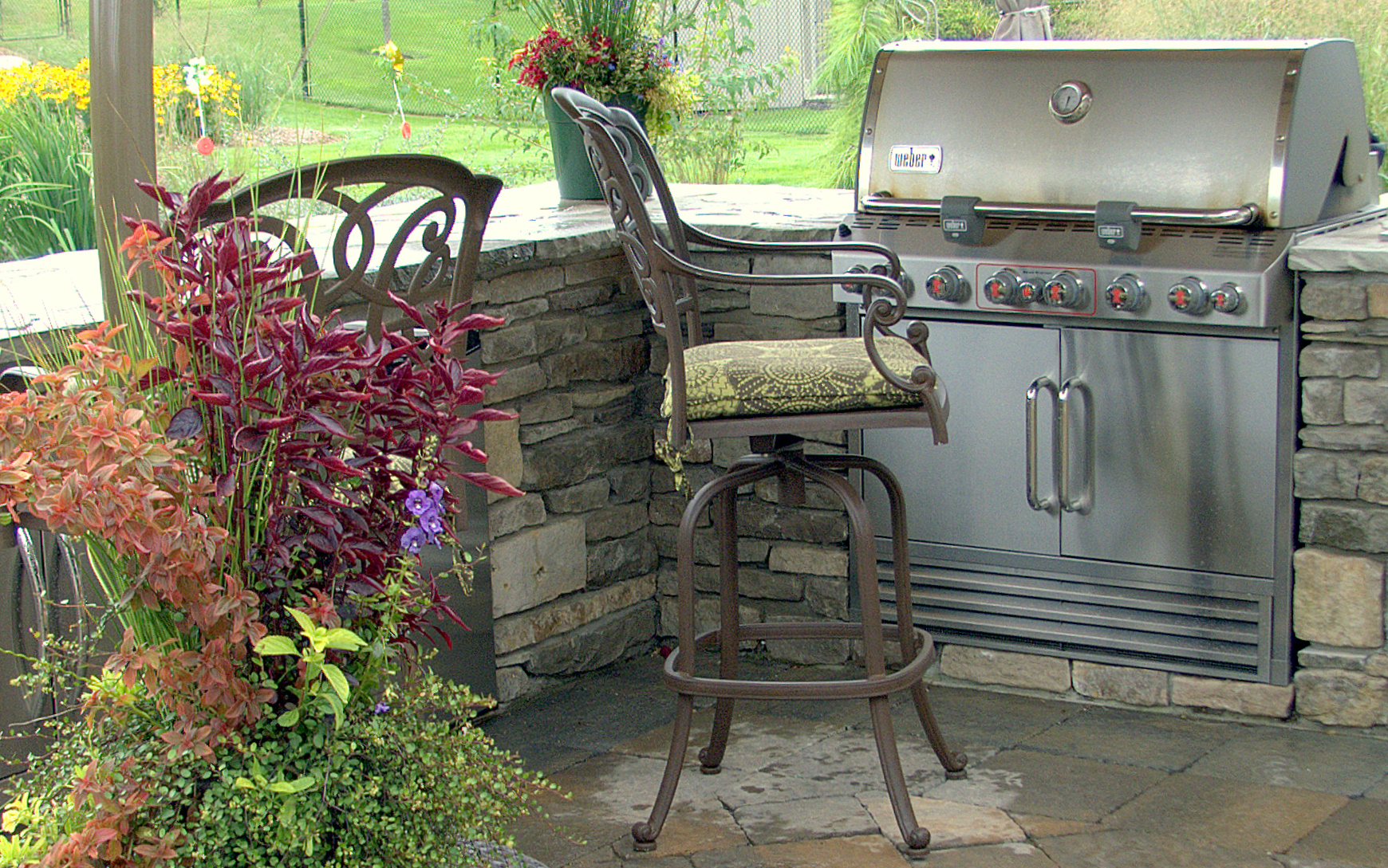 Outdoor Kitchens and Fire Features lower image 1